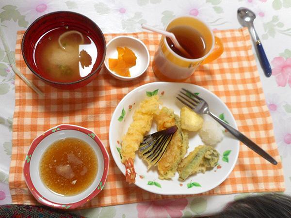 揚げたての天ぷら食べました。
