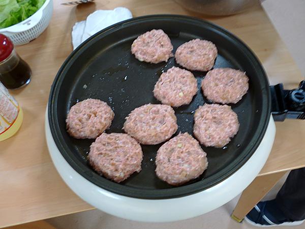 ハンバーガー作り