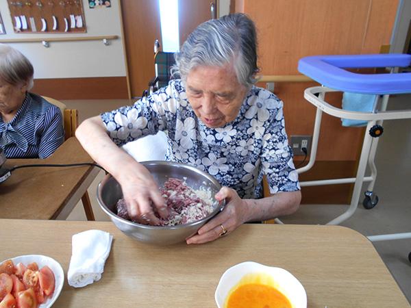 ロコモコ丼と枝豆の冷静ポタージュをつくりました!