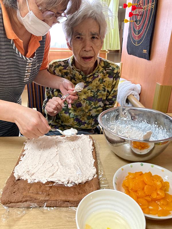 ロールケーキ作り♪